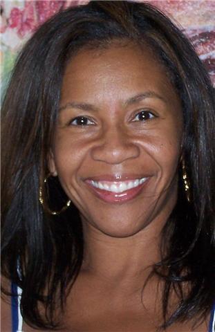Hair stylist Tia Danielle headshot