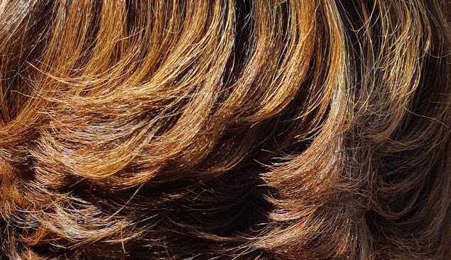 brown and blond colored straightened hair